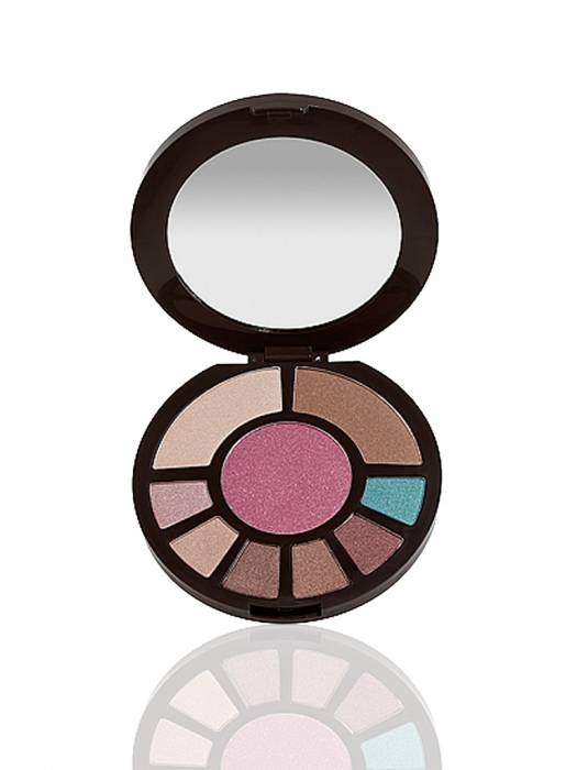 Amazonian clay romancing the glow face palette -